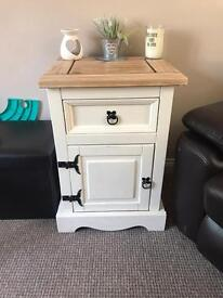 Side/lamp table