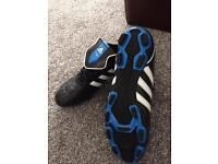 Adidas heritago men's new size 8 1/2 football boots