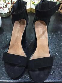 Black black heel