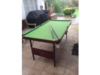 Folding snooker/pool table