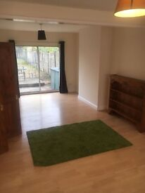 ***LOVELY 3 BEDROOMS FLAT NOW AVAILABLE!!