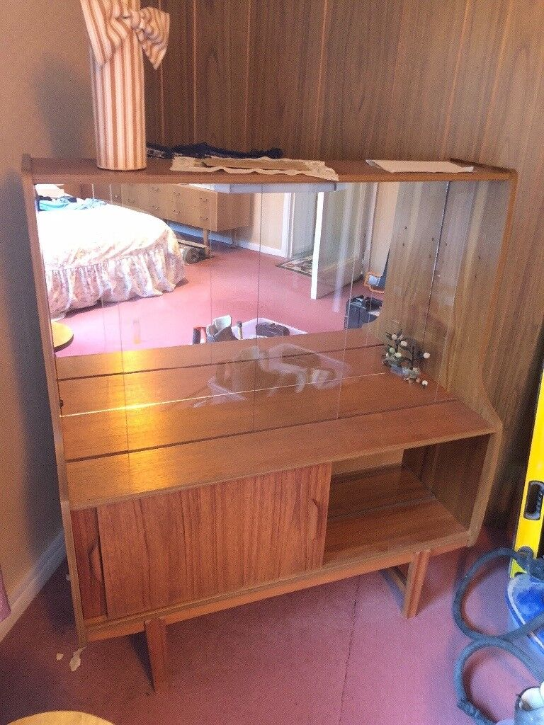 Free 60s 70s Dresser Dressing Table