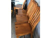 Round antique pine dining table & 4 chairs. Excellent condition