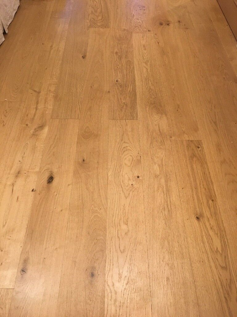 Howdens Engineered Oak Wood Floor Approx 40m Square Metres