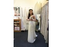 Brand new Pronovias Wedding Dress with Tags - lace & sweetheart neckline