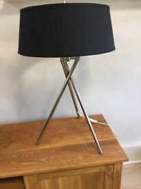 Kriss Kross Lamp