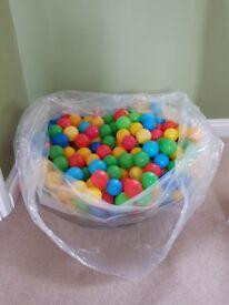 Multicoloured ball pit balls