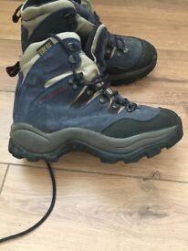 Salomon goretex ladies hiking boots
