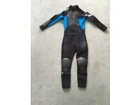 Blue and black kid's wet suit, very good condition, age 8-9 £15