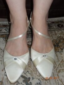 Ivory Satin Wedding Shoes for sale