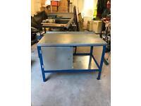 Professional metal workshop bench