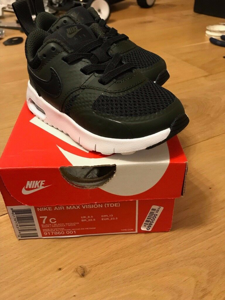 8ee3e977abfc65 Kids Nike air max vision trainers UK 6.5