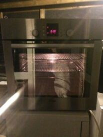 **BOSCH**STAINLESS STEEL**ELECTRIC OVEN**FULLY WORKING**£130**COLLECTION\DELIVERY**NO OFFERS**