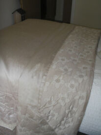 Cream & Gold Kingsize Bedding Set