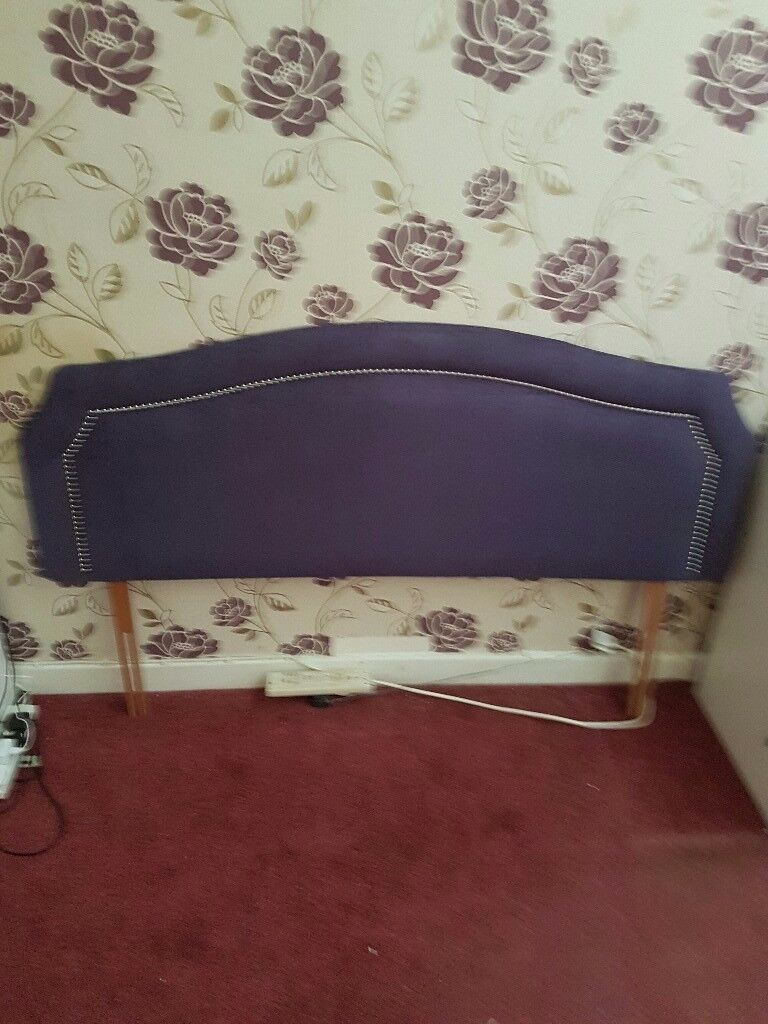 King size Headboard purple in excellent conditiom