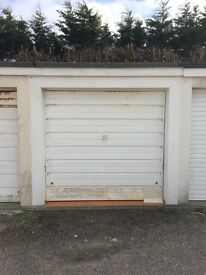 Newquay - Garage available to rent