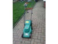 black and decker 32cm GR290C lawn mower with basket