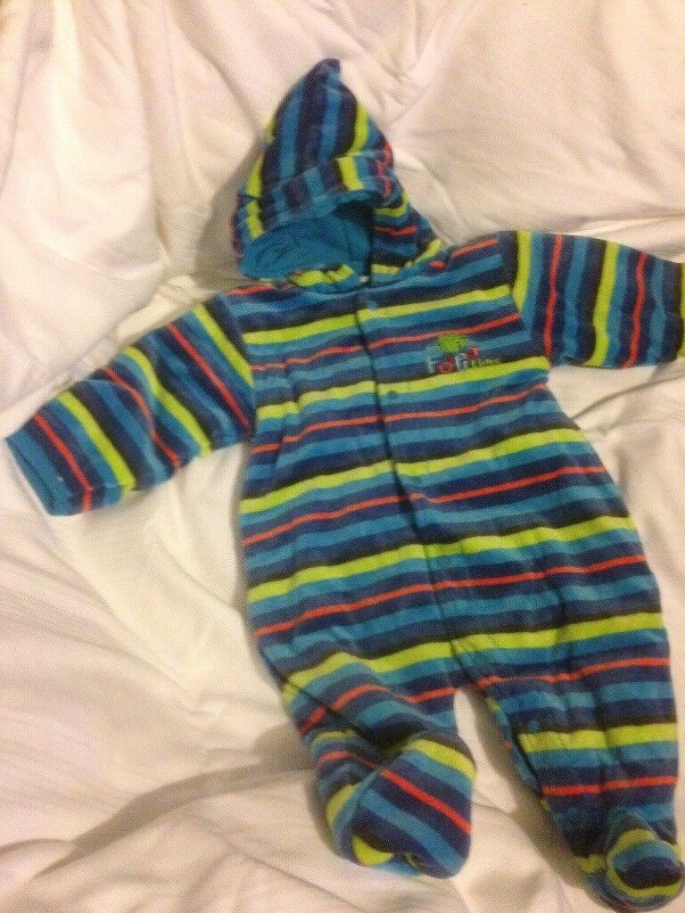 28d8e3147 Baby boy 2-4 months pramsuit