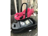 Maxi cosi pebble car seat and familyfix (isofix) base