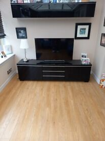 Ikea Besta Burs Black Gloss TV unit and Matching Wall Unit