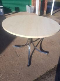 Maple effect round office meeting table 1M sits 4-5