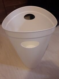White bin