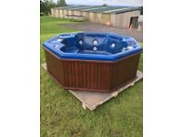 Hot Tub - Jacuzzi - Wooden - Spaform