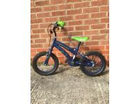 14 Ben10 bike with stabilisers