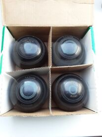 Taylor Lignoid Lawn Bowls size 2