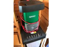 Qualcast SDS2810 2800W Home Garden Corded Electric Quiet Chipper Shredder