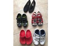 Bundle of shoes clarks, Nike, crocs
