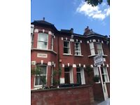 Double bedroom flat located on a quiet road in Chiswick, close to Gunnersbury Tube Station.