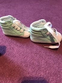Brand new baby shoes size 6-12 mth