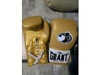 Gold Grants Boxing Gloves - 14oz