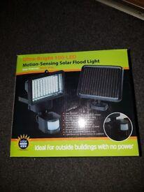 Solar flood lights, Motion-sensing Solar lights