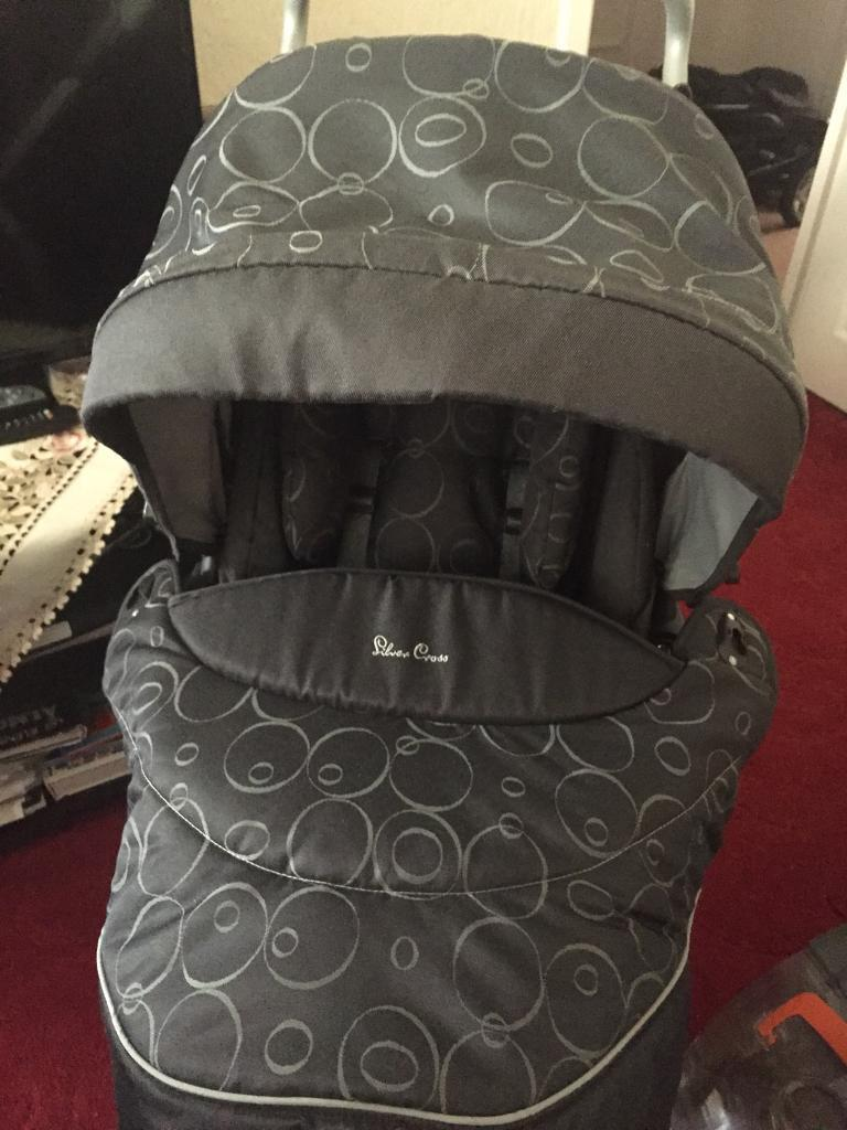 Silver cross baby pram and car seat in excellent condition