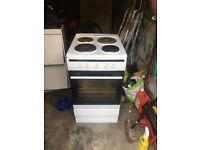 White electric cooker for sale £75 free delivery