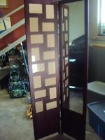 Solid standing mirror/photo calage - 5' tall