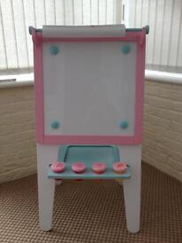 Early learning wooden easel