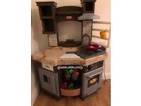 Little tikes interactive play kitchen