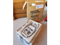 New and Unused Mamas & Papas 'Evolve' Changing table & bath. £50.00