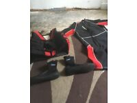 Life jacket xxl wet suit xxl shoes xl