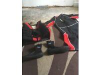 Life jacket xxl wet suit xxl shoes xl