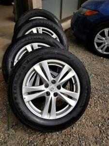 HYUNDAI SANTA FE 18  INCH FACTORY OEM WHEELS WITH LIKE NEW HIGH PERFORMANCE 235 / 60 / 18 ALL SEASON TIRES.