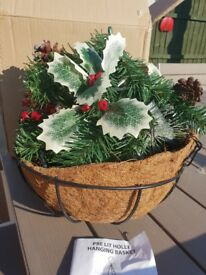 Christmas hanging basket lights up