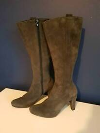 Shoes made of natural leather size 6