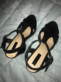 Black Chunky heels size 6