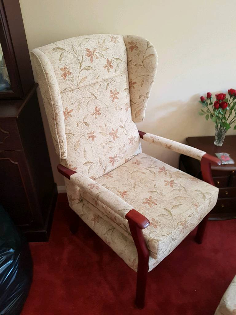 Oakedale comfort chairin Southampton, HampshireGumtree - Very good condition. Comfortable chair. Matching chair and sofa available. Buyer collects