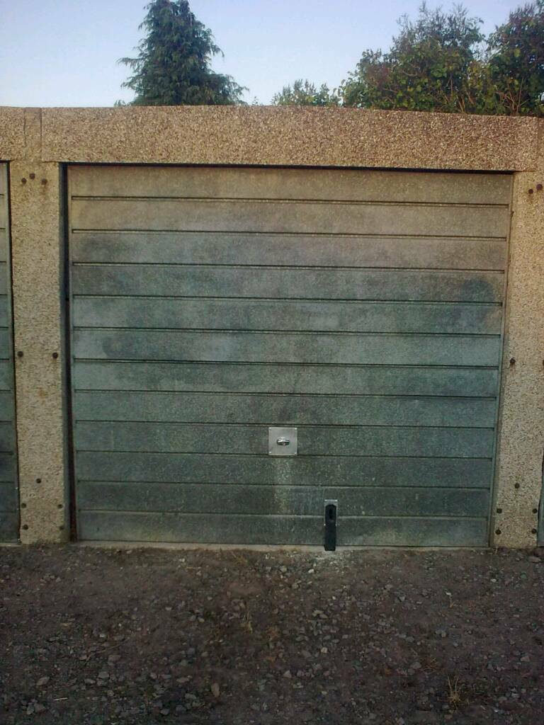Secure dry garage just £3.50 a day!