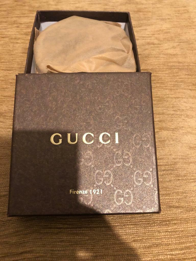Gucci belt with box and sand bag